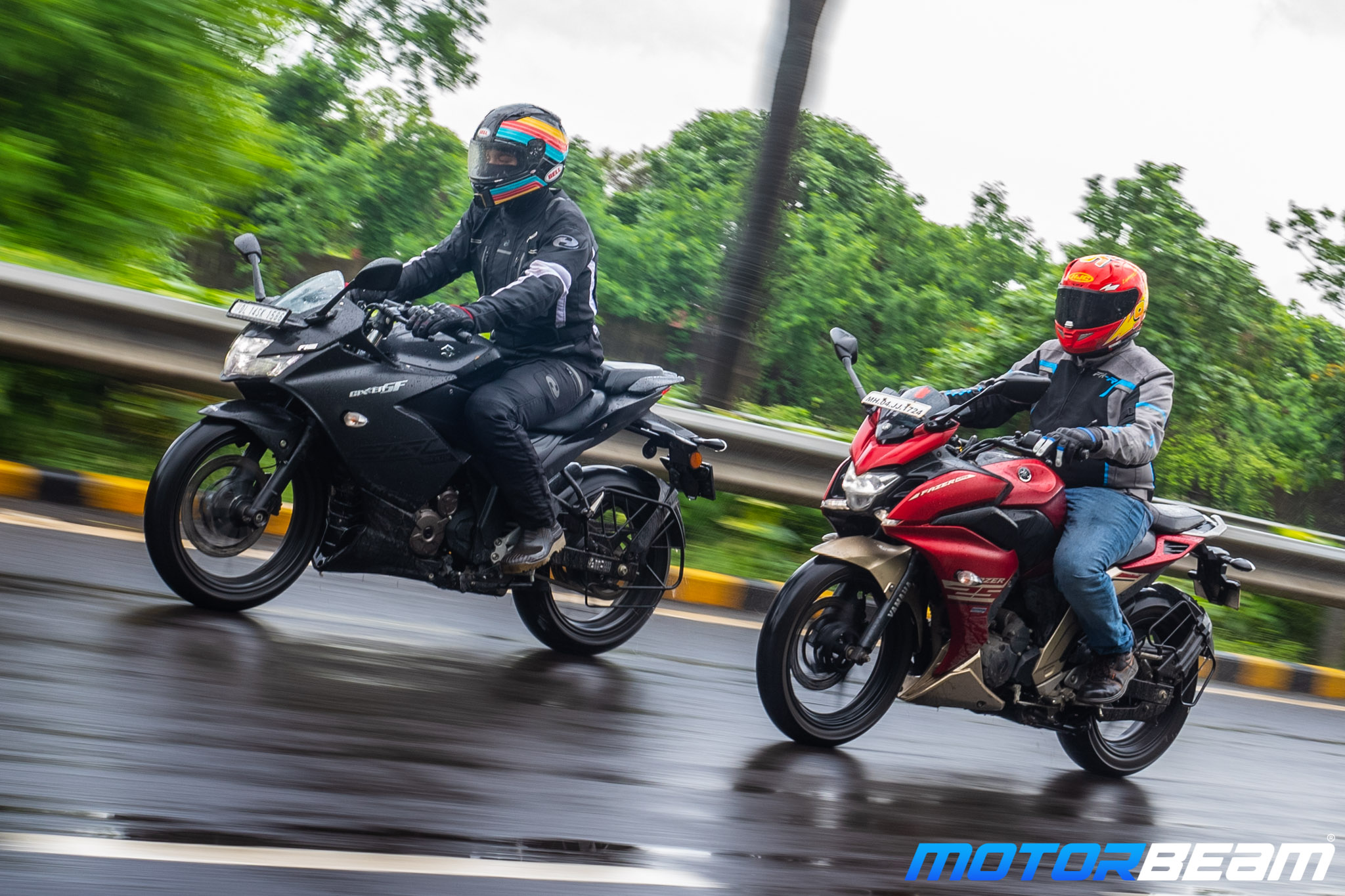 Suzuki Gixxer 250 vs Yamaha Fazer 250 Shootout Video
