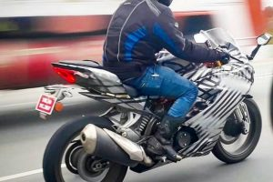 TVS Apache RR 310S Riding Position