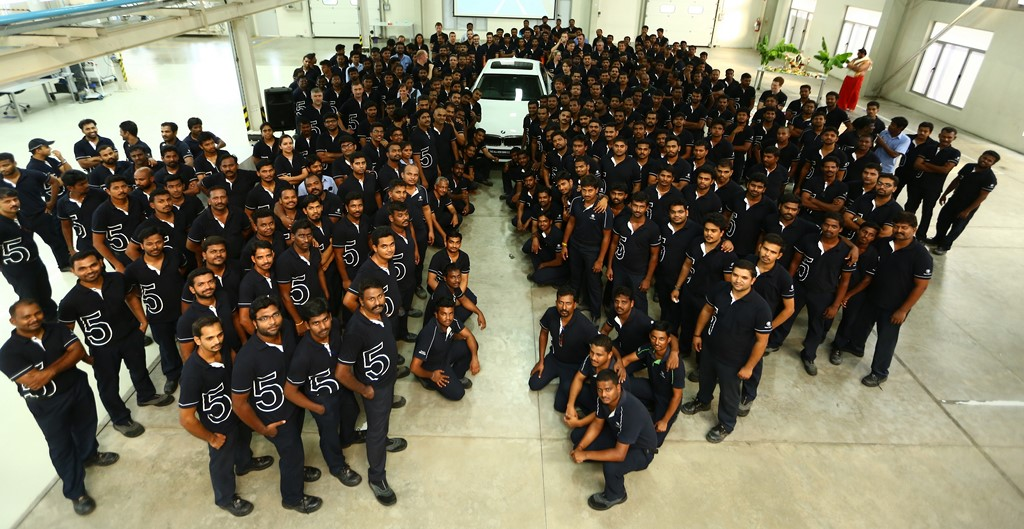 The Chennai Plant Staff Pose With The New BMW 5-Series