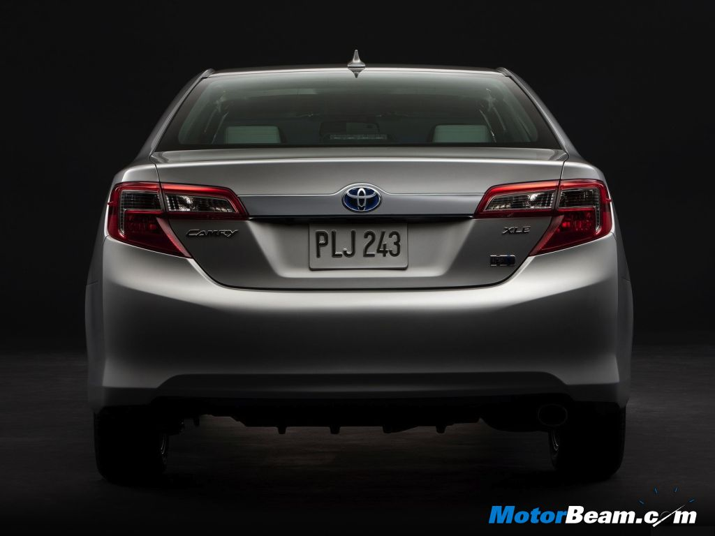 Toyota-Camry-Hybrid-India