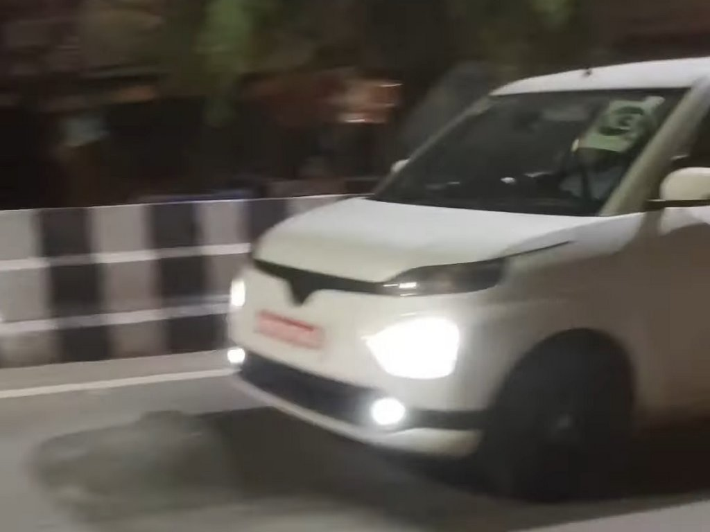 Toyota Hyryder Spotted