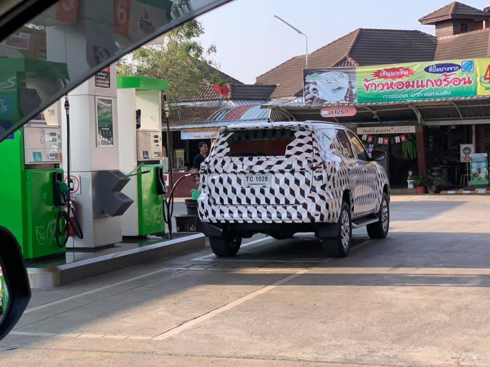Toyota Fortuner Facelift Spotted