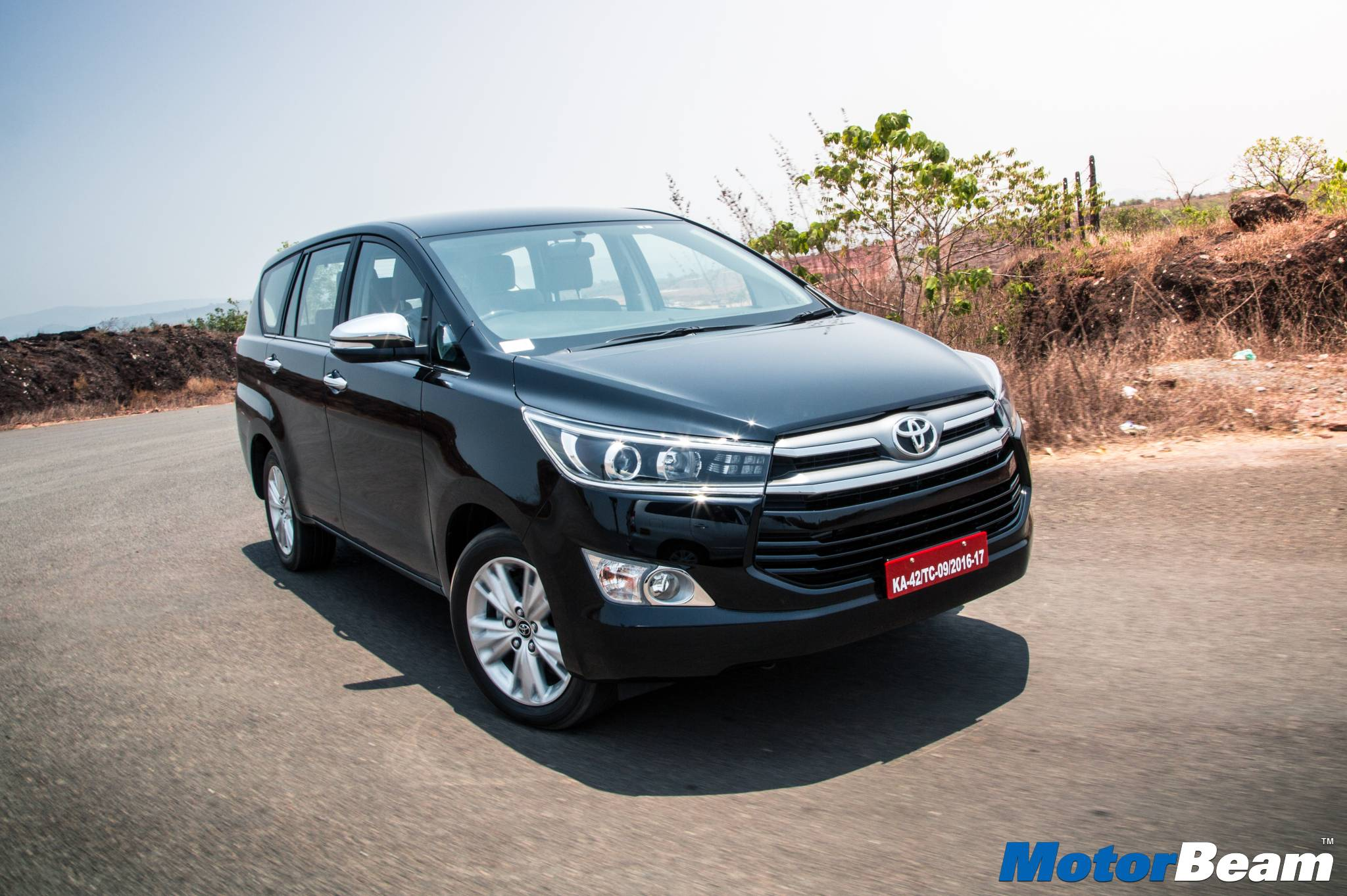 Toyota Innova Crysta Video Review