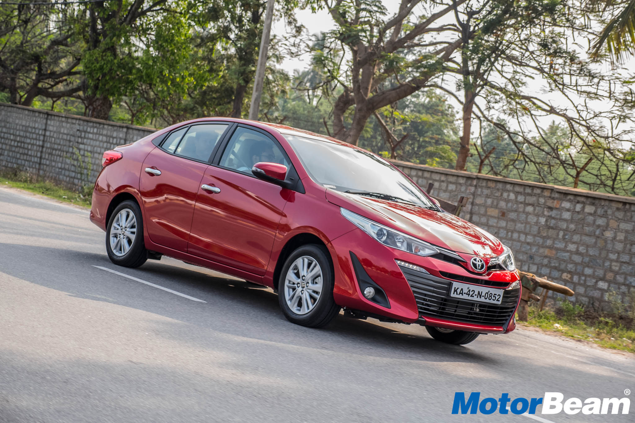 Toyota Yaris Pros & Cons