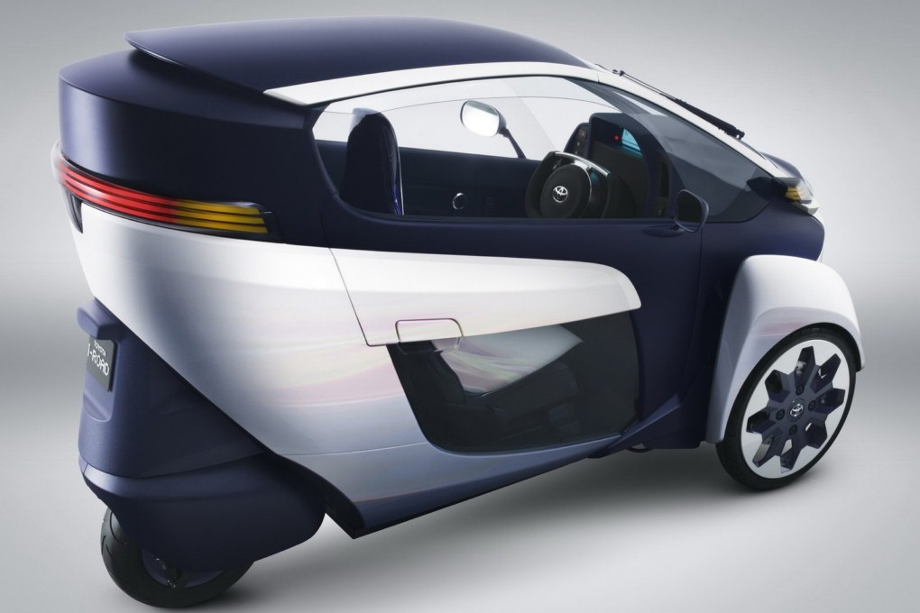Toyota i-ROAD EV Concept Side Overlook