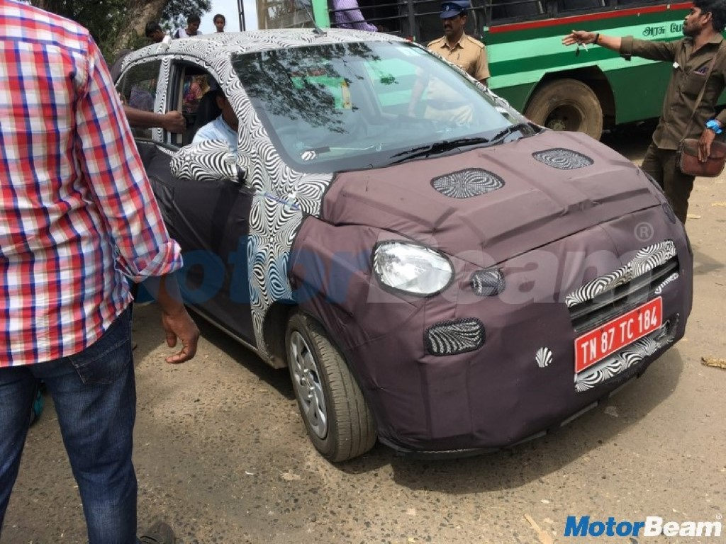 Upcoming Hyundai Santro Spotted