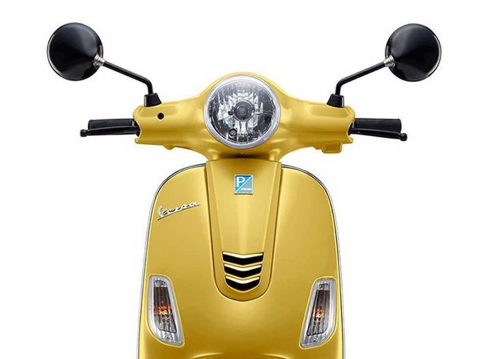 Vespa Urban Club Glossy Yellow