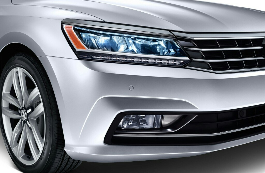 Volkswagen Passat Features