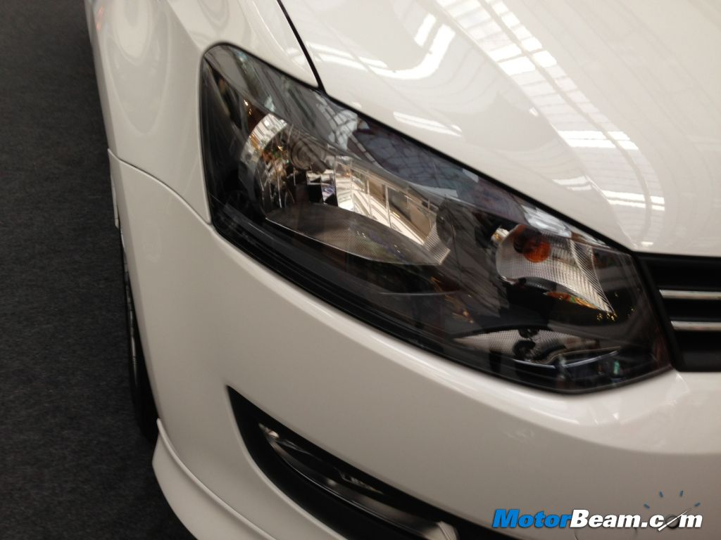 Volkswagen Polo SR headlights