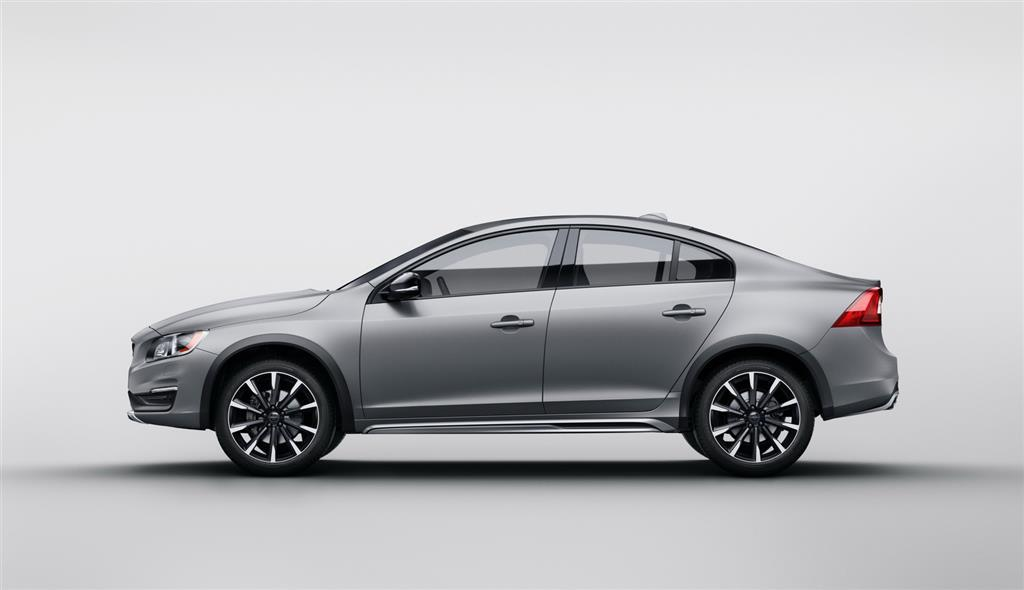 Volvo S60 Cross Country Side