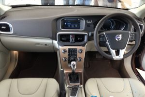 Volvo V40 Cross Country Details