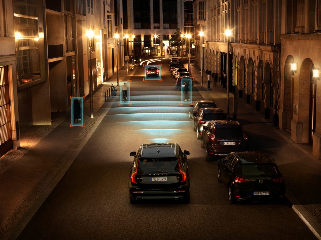 Volvo XC90 City Safety Features
