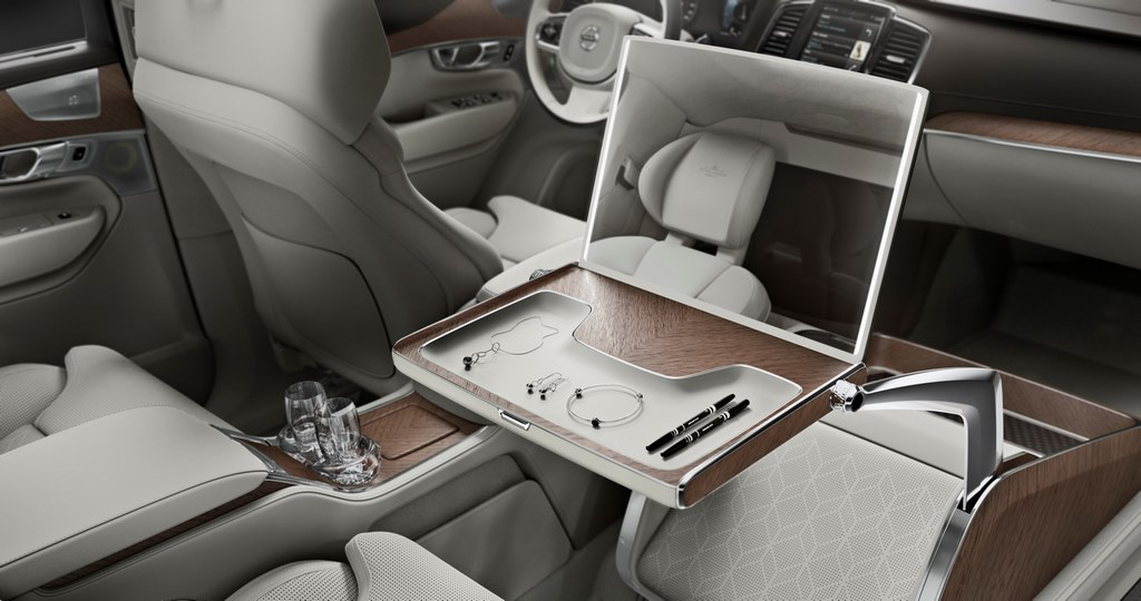 XC90 Excellence Lounge Console Vanity Mirror With Storage