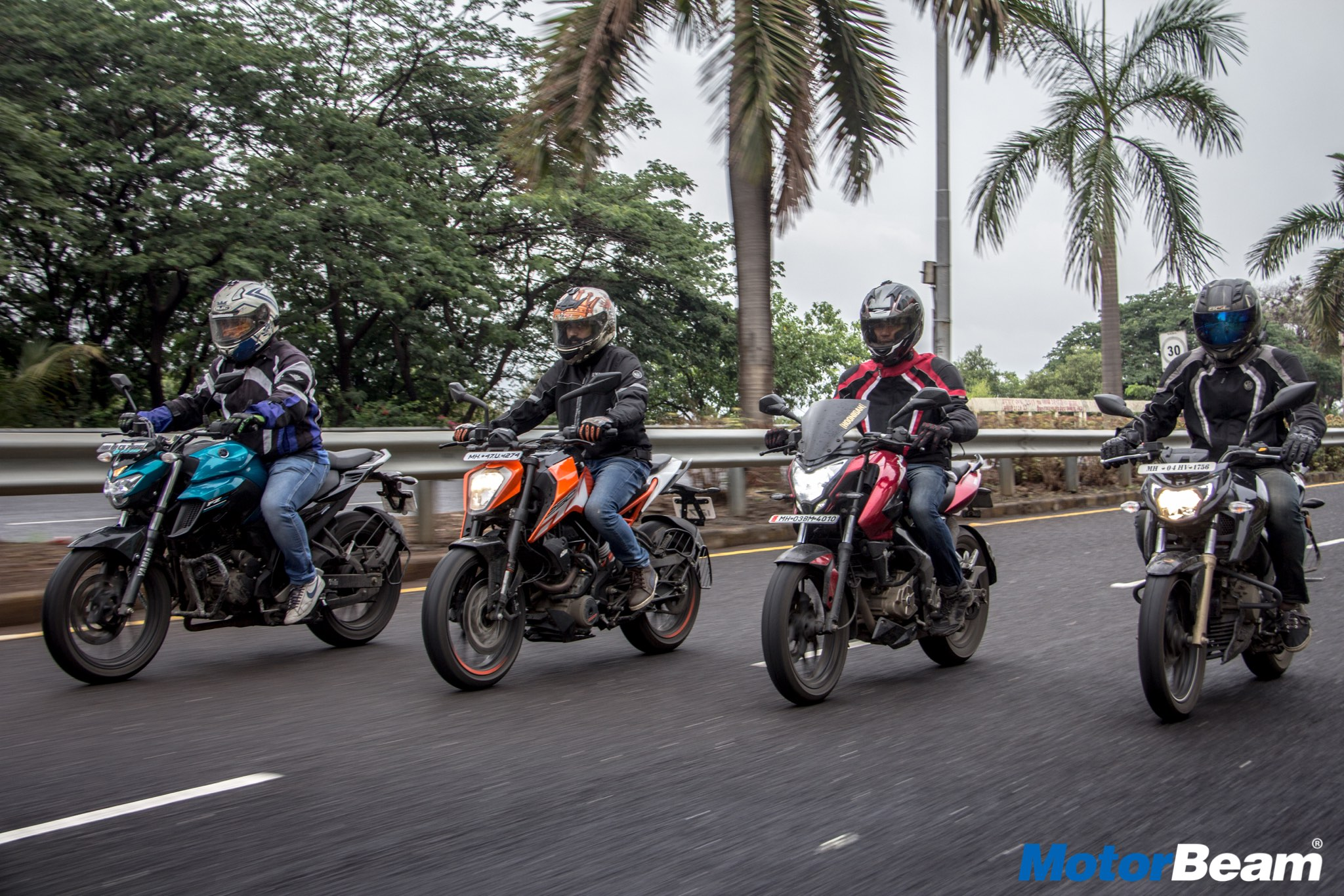 Yamaha FZ vs Duke 250 vs Pulsar NS 200 vs Apache 200 - Drag Race