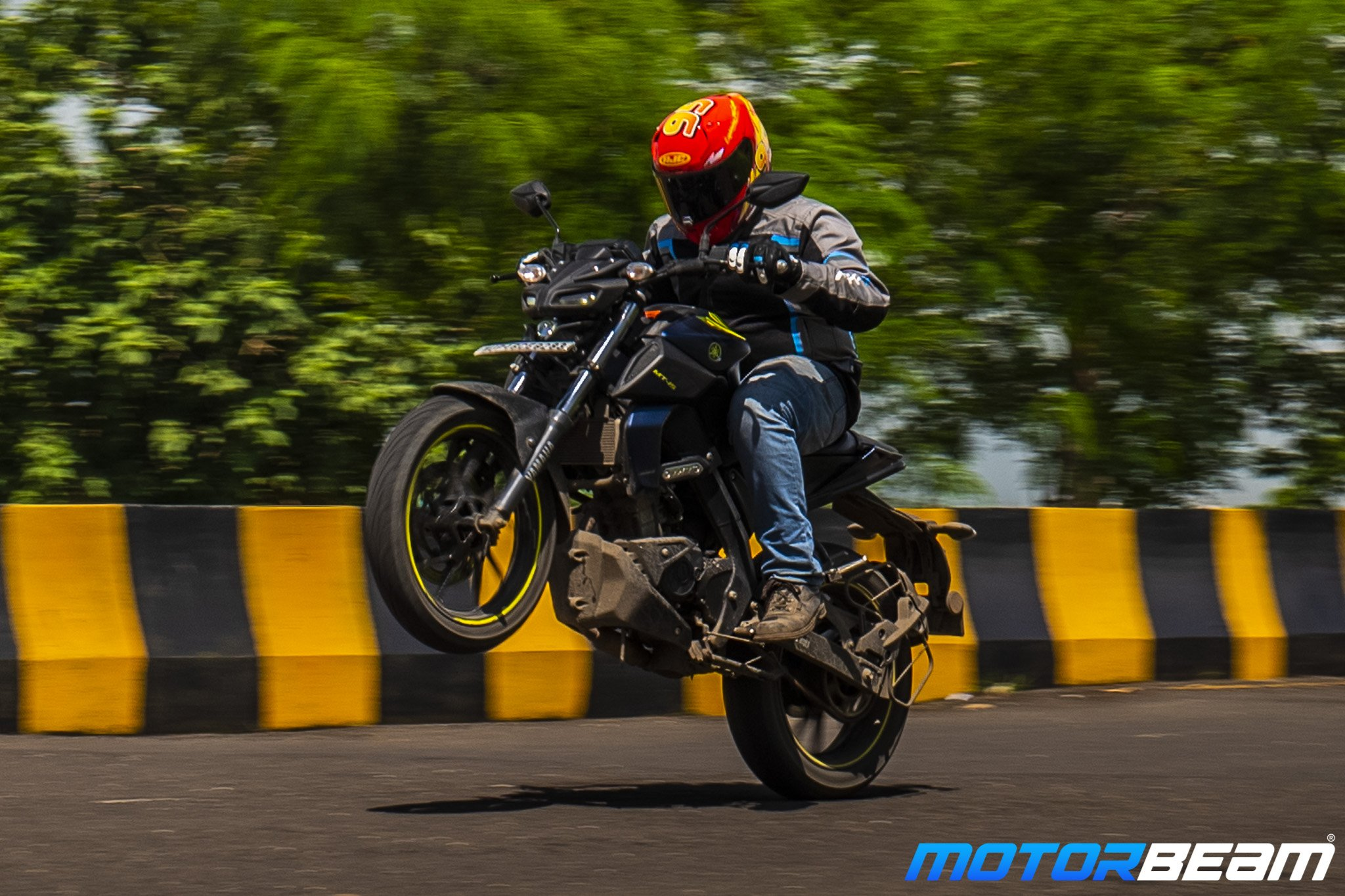 Yamaha MT-15 Hindi Video Review
