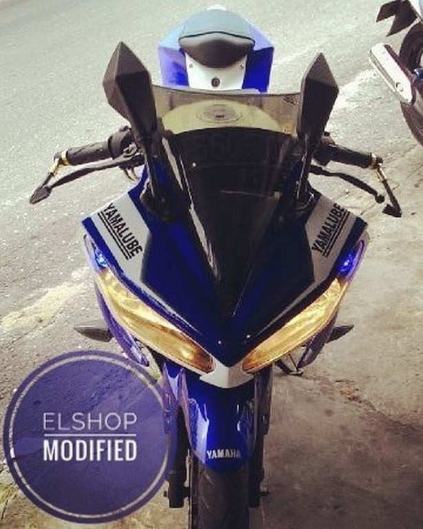 Yamaha R15 Modified