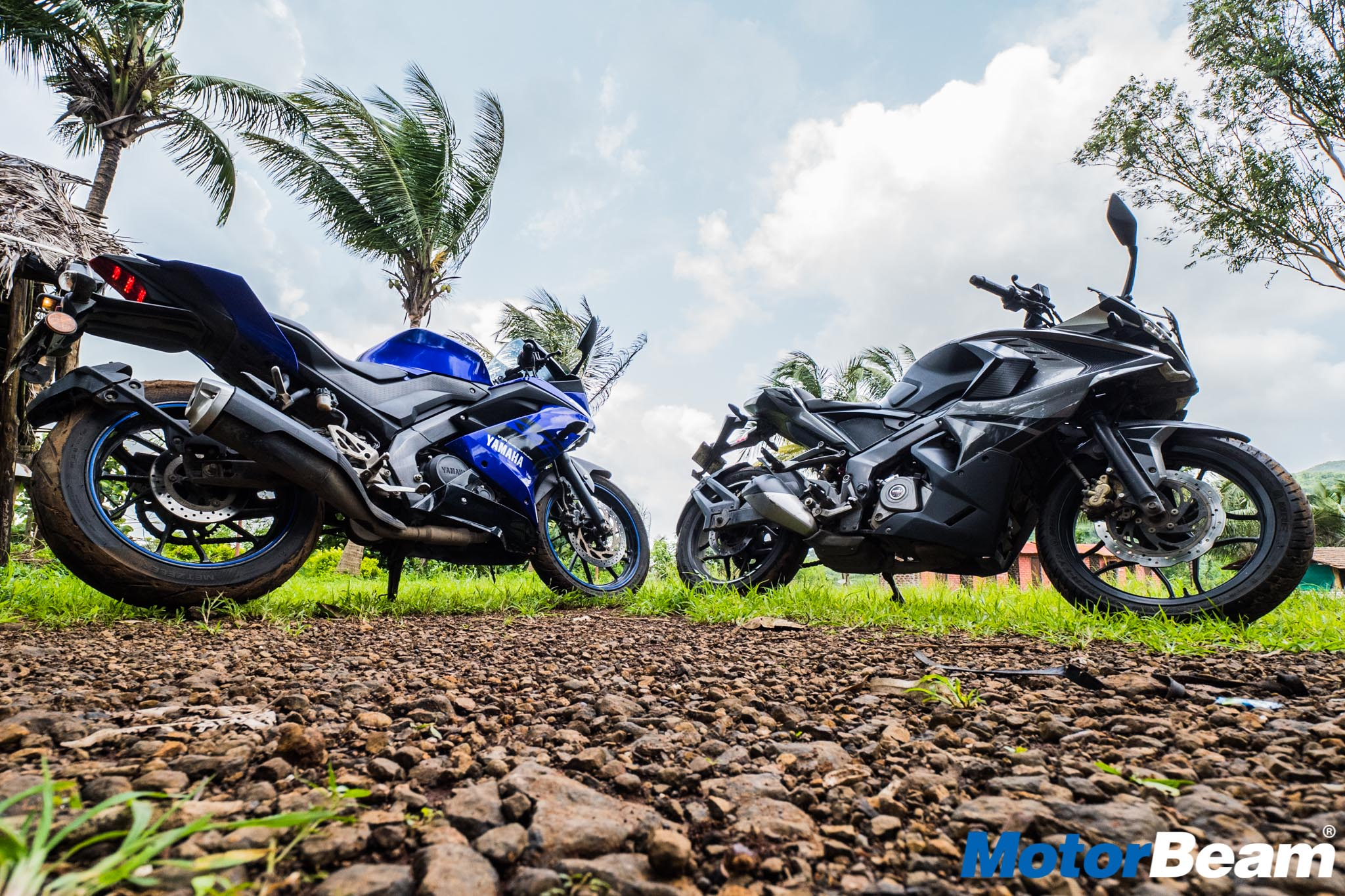 Yamaha R15 V3 vs Bajaj Pulsar RS 200 Comparison Test Ride