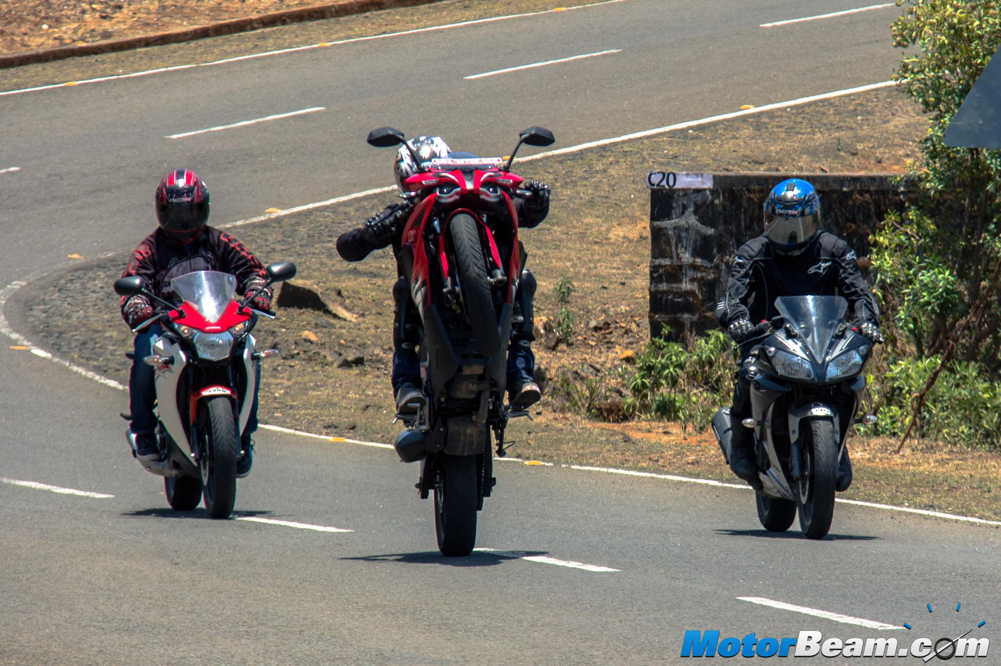 Yamaha R15 vs Pulsar RS 200 vs Honda CBR150R ReviewYamaha R15 vs Pulsar RS 200 vs Honda CBR150R Review