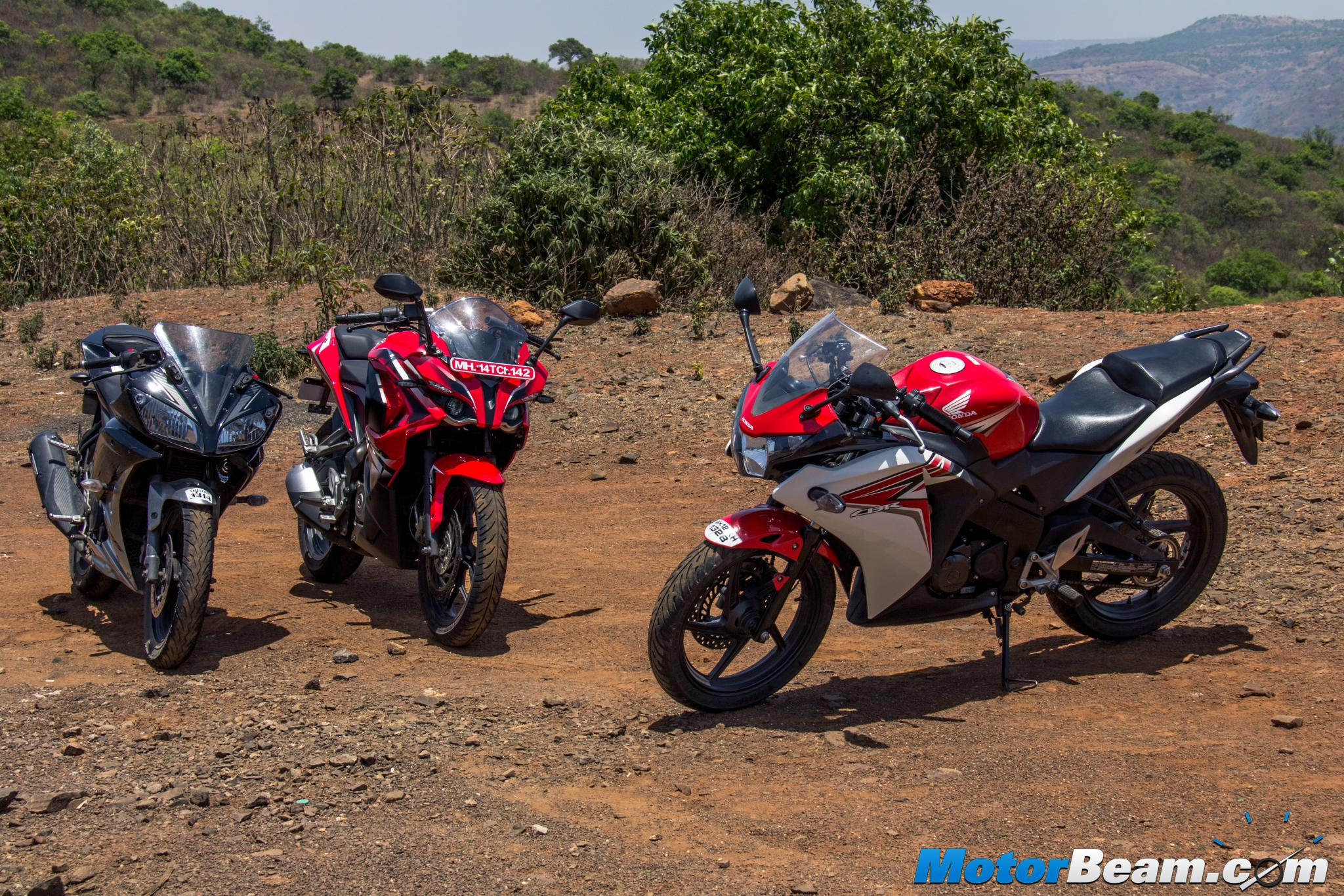 Bajaj pulsar rs200 vs ktm rc200 vs honda cbr250r comparison youtube - Yamaha R15 Vs Pulsar Rs 200 Vs Honda Cbr150r Shootout