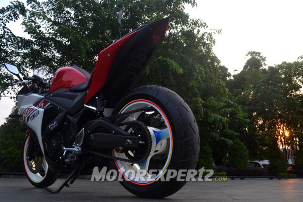 Yamaha R25 Modified Indonesia Rear
