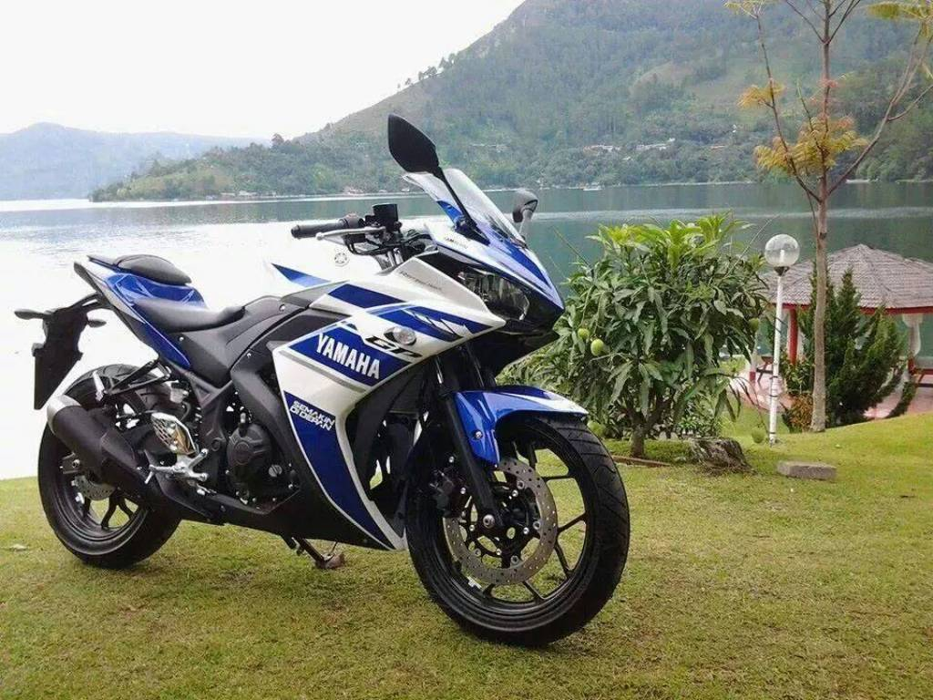 Yamaha R25 Production Model