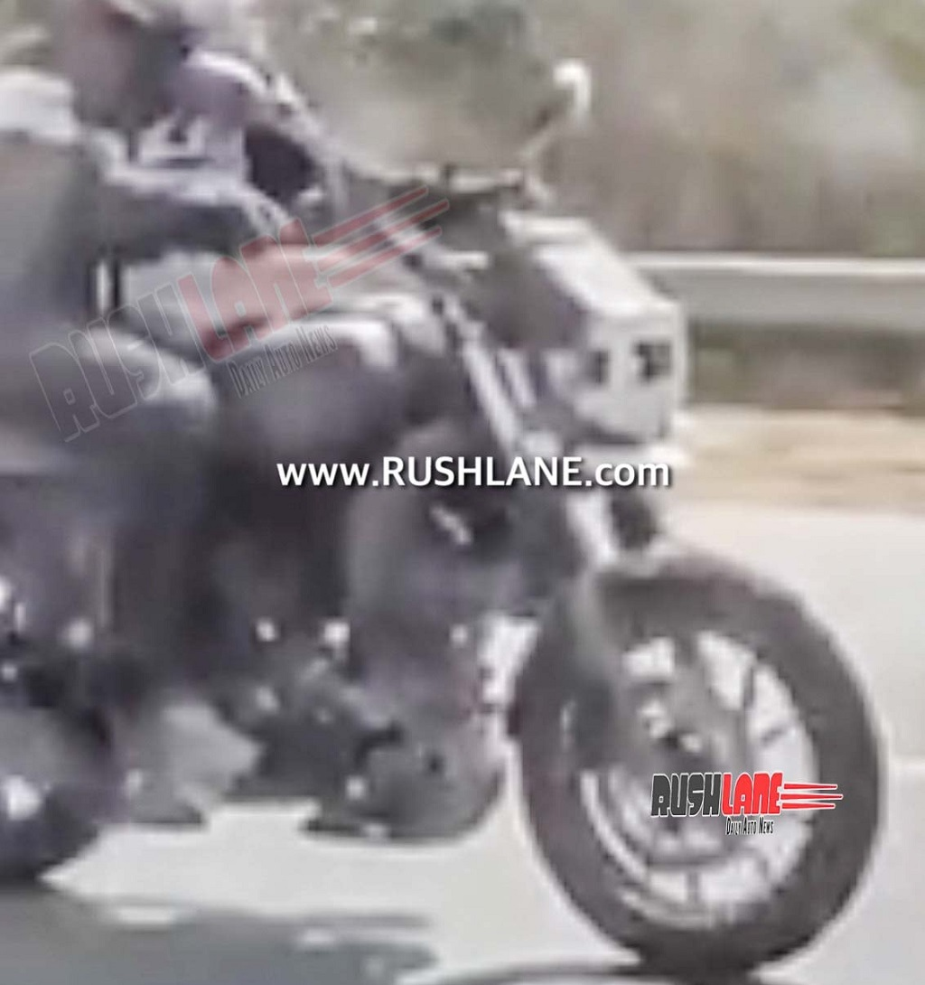 Yamaha XSR250 Spotted Front