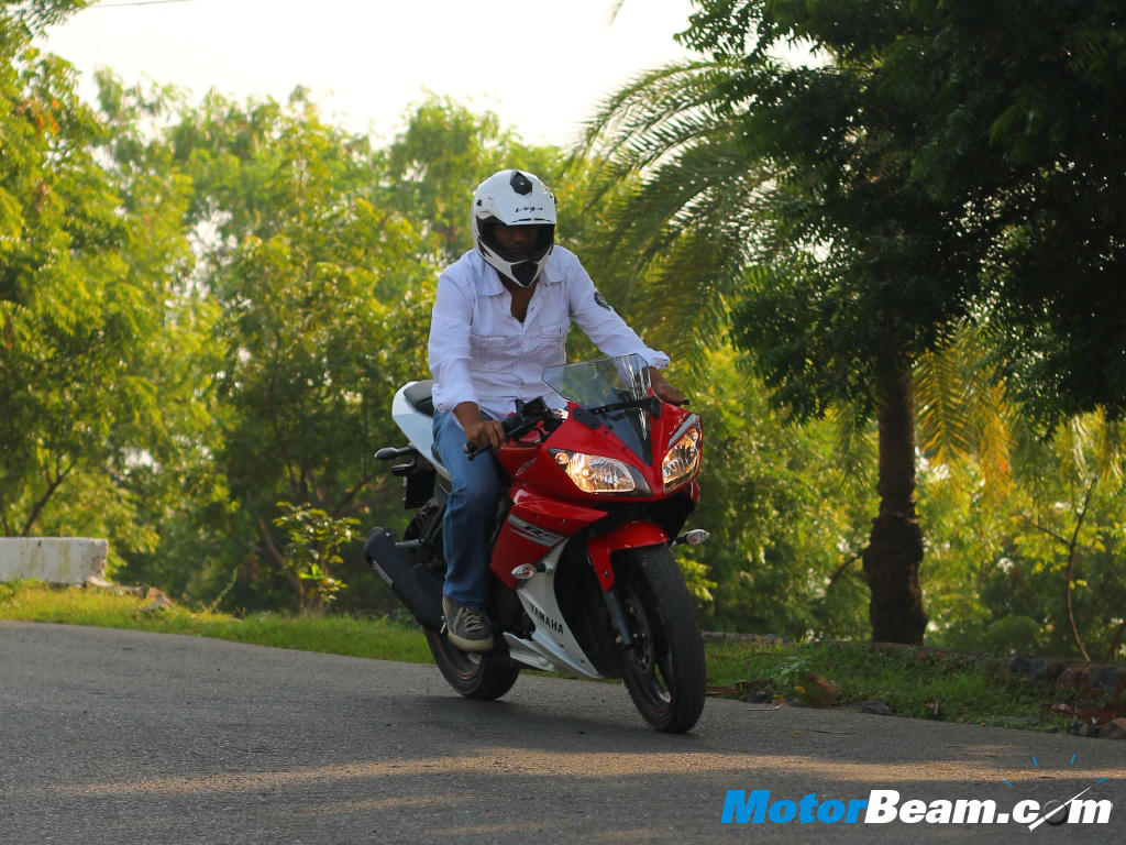 Yamaha Yzf R15 V20 Test Ride Review